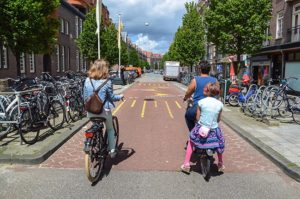 nl-amsterdam-fietsstraat-modacity-2016